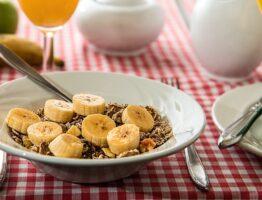 Rôle et aliments contenant des fibres alimentaires
